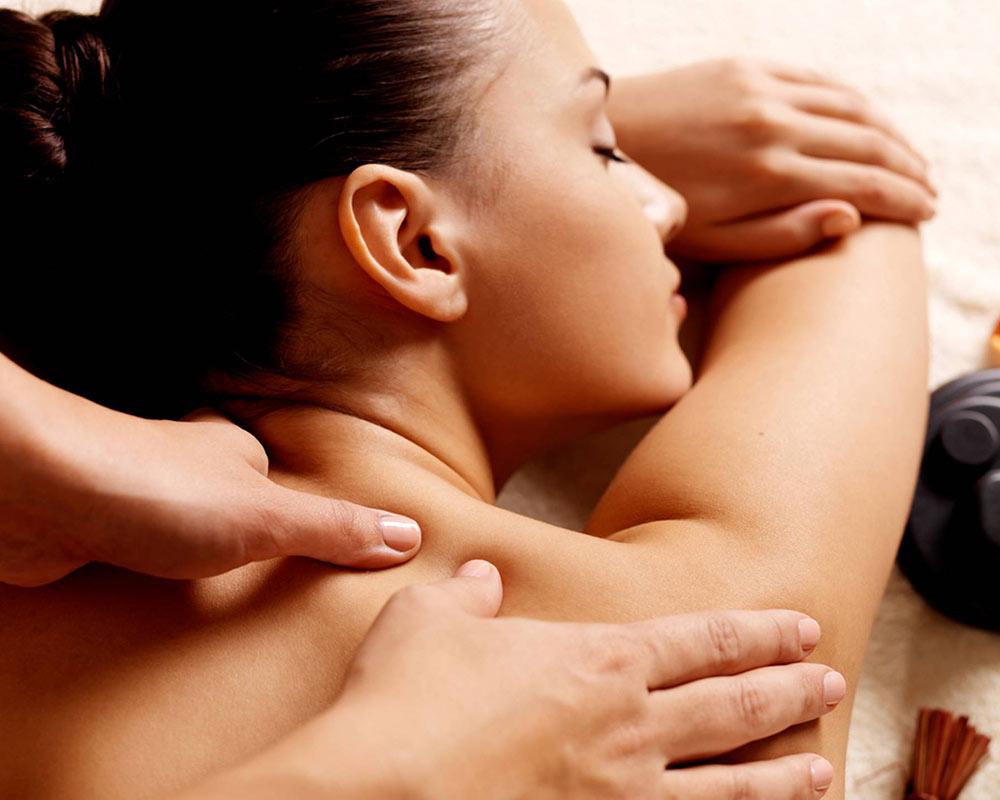 massaggio collo e spalle